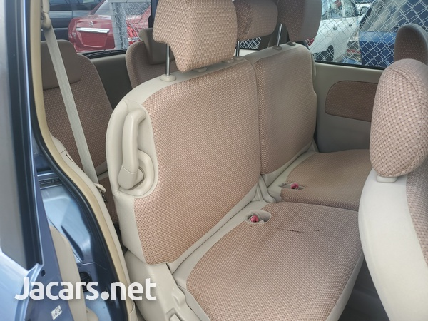 Toyota Sienta 1,6L 2012-6