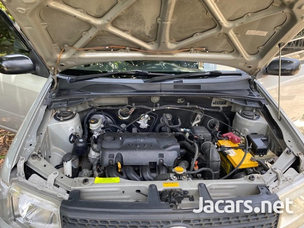 Toyota Probox 1,5L 2013-11