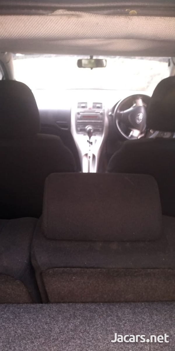 Toyota AURIS 1,5L 2009-3