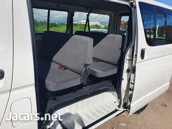 Toyota Haice Bus 2,0L 2013-7