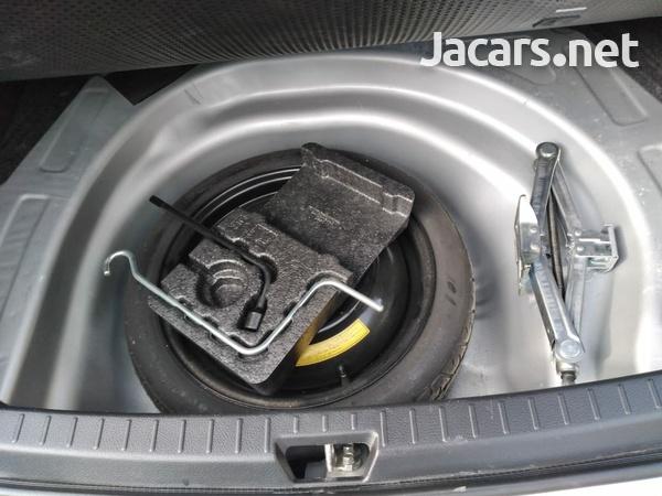 Toyota Axio 1,5L 2011-4
