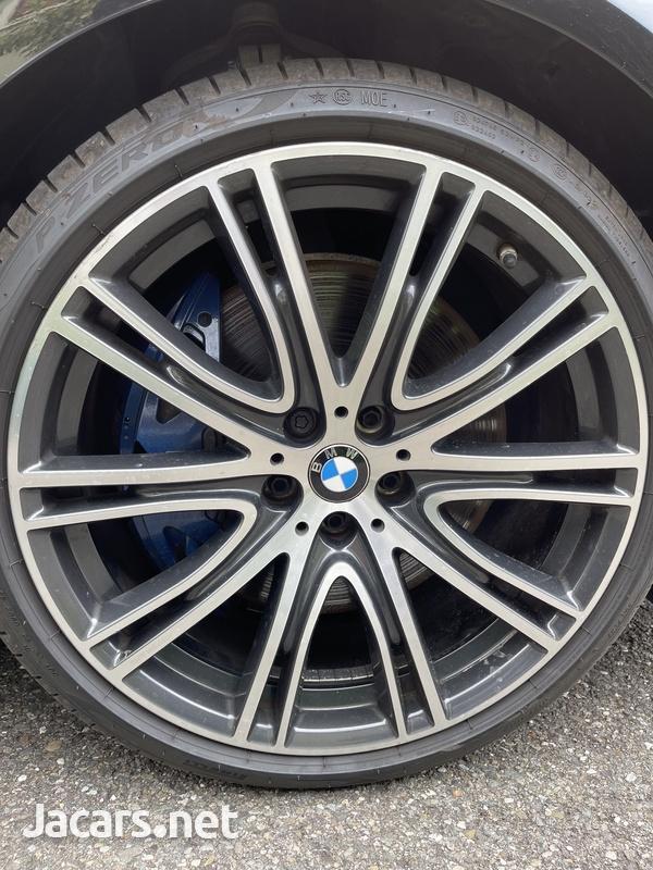 BMW 5-Series 3,0L 2017-6