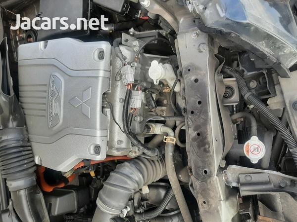 2016 mitsubishi outlander hybrid 2.0 petrol engine-5