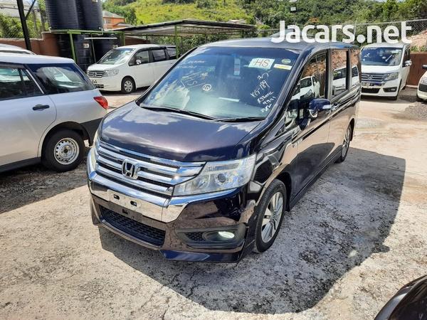Honda Stepwgn 2,0L 2012-4