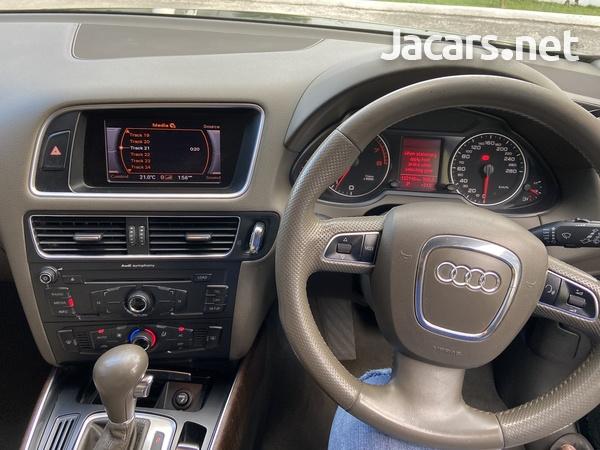Audi Q5 3,0L 2012-9