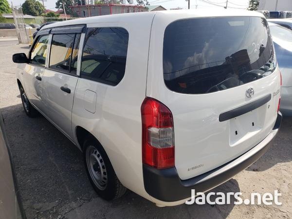 Toyota Probox 1,5L 2016-3