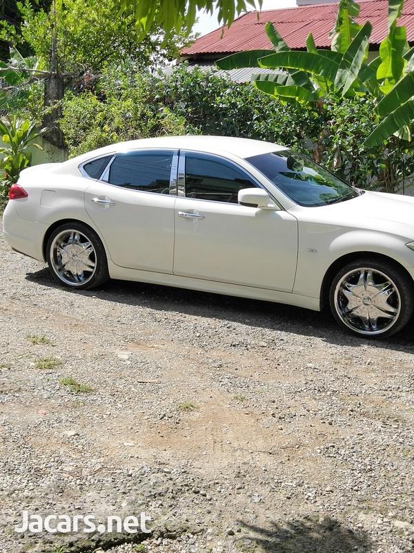 Nissan Fuga 3,7L 2011-6