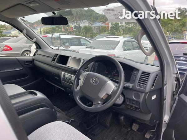 Toyota Hiace 2,0L 2014-8