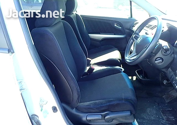 Honda Stream 1,8L 2012-9