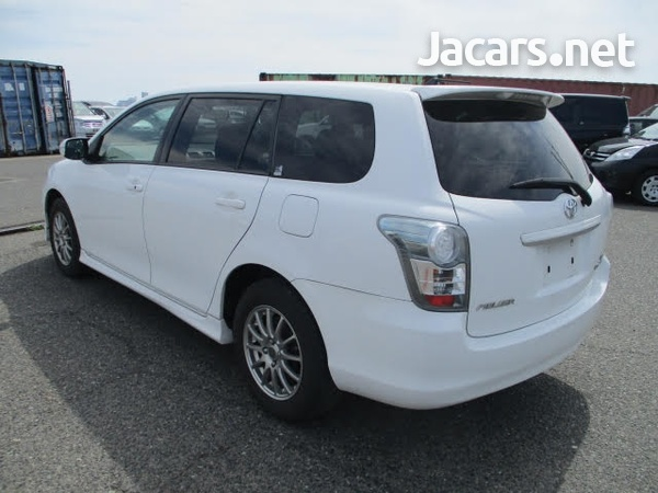 Toyota Fielder 1,8L 2010-4
