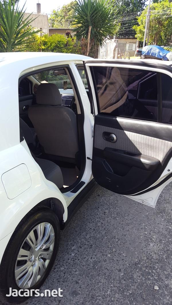 Nissan Tiida 1,5L 2010-8