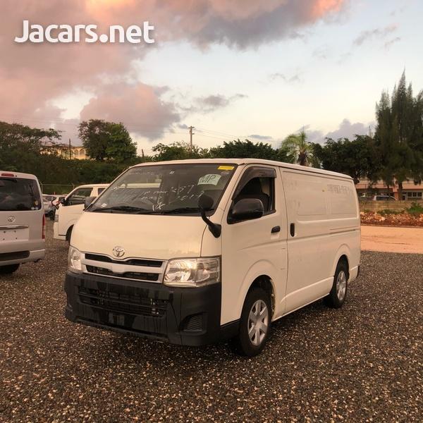Toyota Hiace Bus 2,0L 2012-2