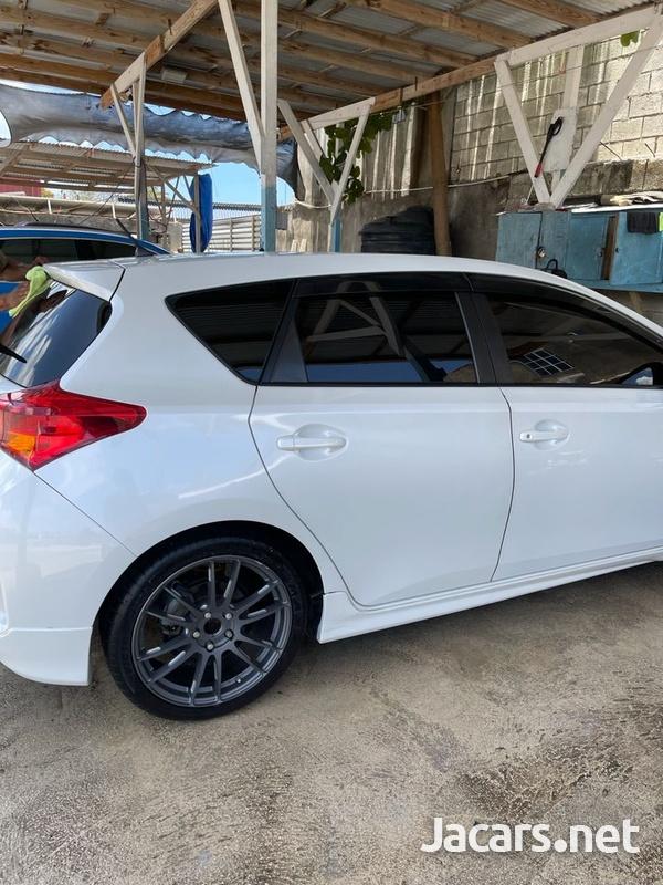 Toyota AURIS 1,5L 2013-12