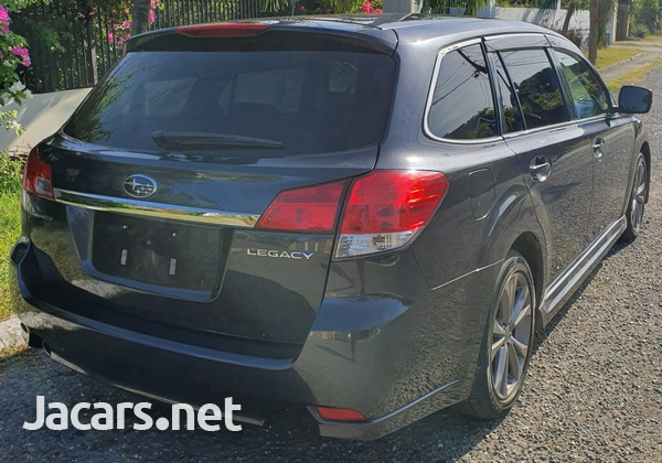 Subaru Legacy 2,5L 2013-5
