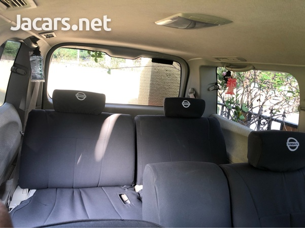 Nissan Elgrand 2,5L 2010-4
