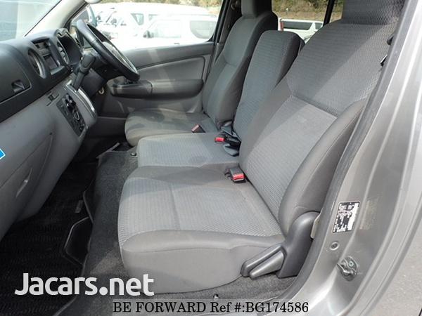 Nissan Caravan 2,5L 2014-5