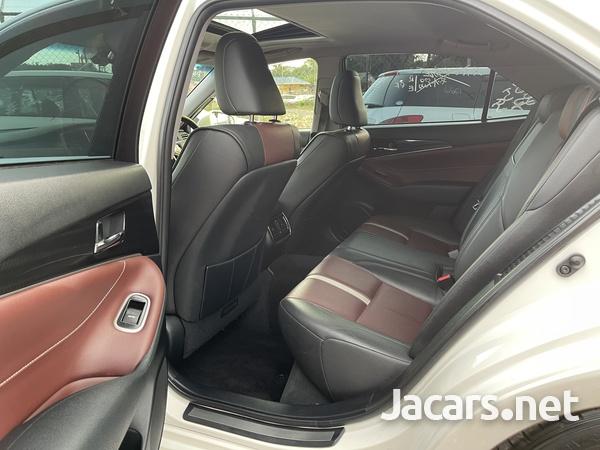 Toyota Crown 2,5L 2014-7