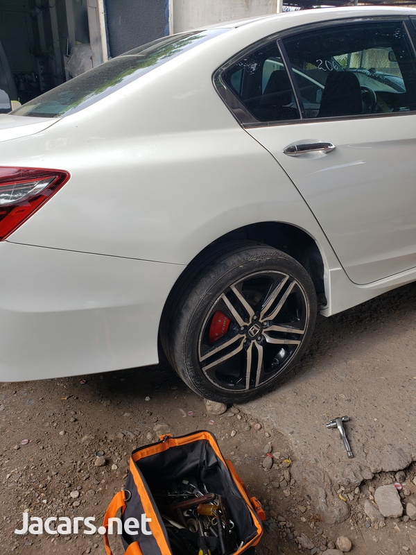 Honda Accord 2,4L 2016-4