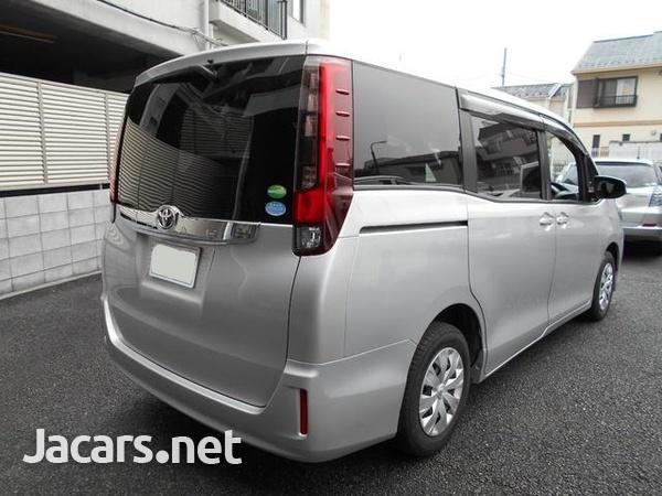 Toyoto Noah 1,9L 2014-5