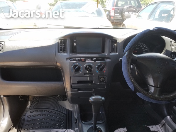 Toyota Probox 1,8L 2012-3