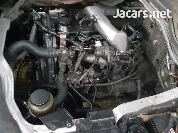 Toyota Hiace 2010 5l-2