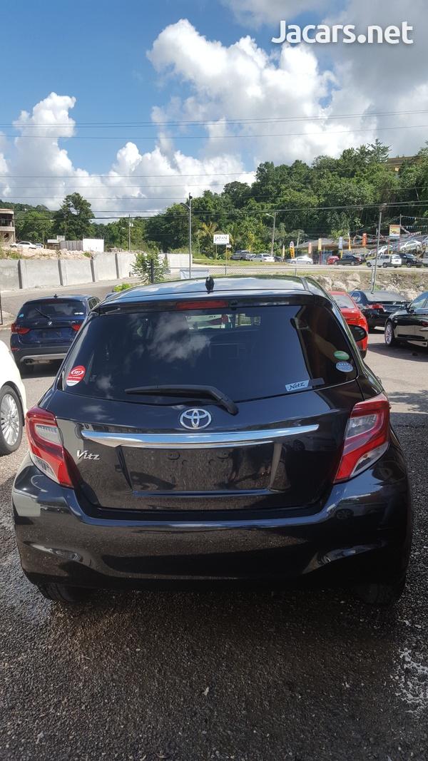 Toyota Vitz 1,3L 2014-5
