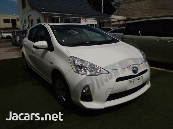 Toyota Aqua 1,6L 2014-5