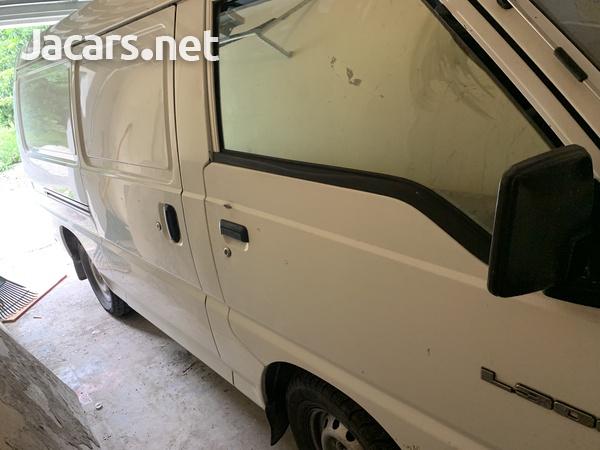 2008 Mitsubishi L300 Panel Van-3