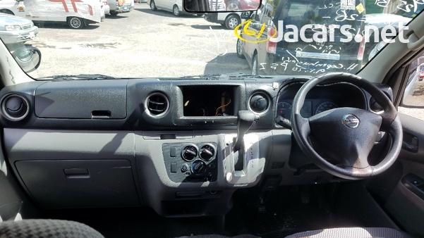 Nissan Caravan 2,5L 2014-7