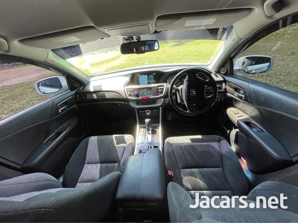 Honda Accord 2,5L 2013-3