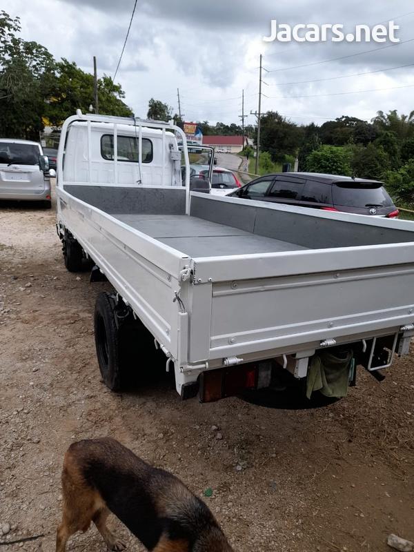 2007 Isuzu Truck-2