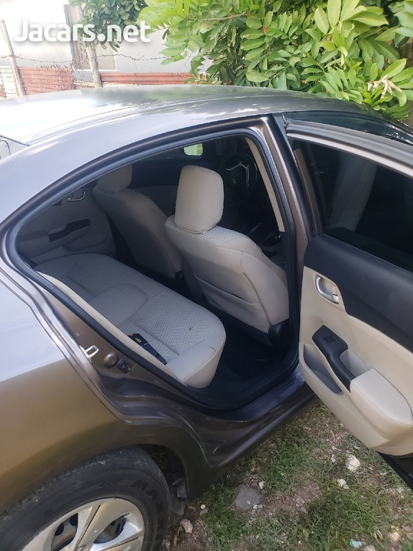 Honda Civic 1,8L 2015-6