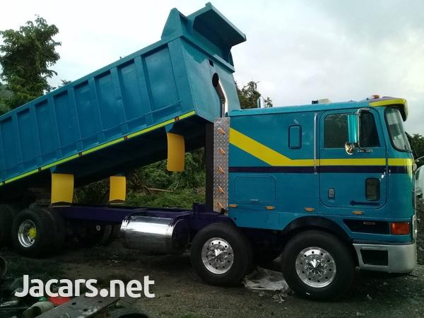 1999 International Tipper Truck-1