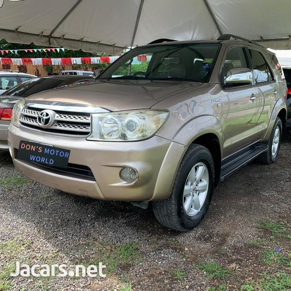 Toyota Fortuner 2,7L 2011-3
