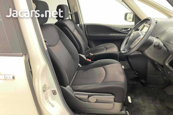 Nissan Serena 2,0L 2012-6