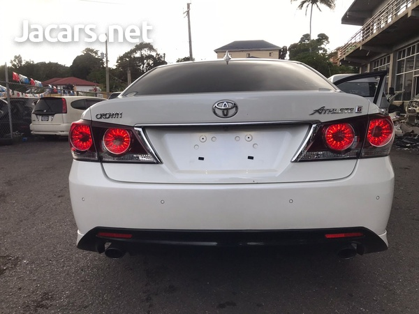 Toyota Crown 3,5L 2016-12