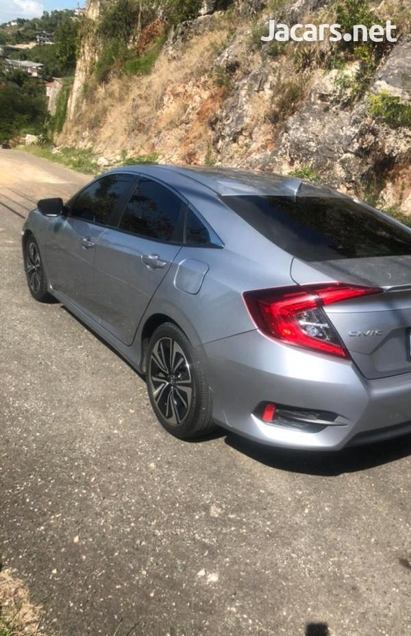 Honda Civic 2,1L 2016-3