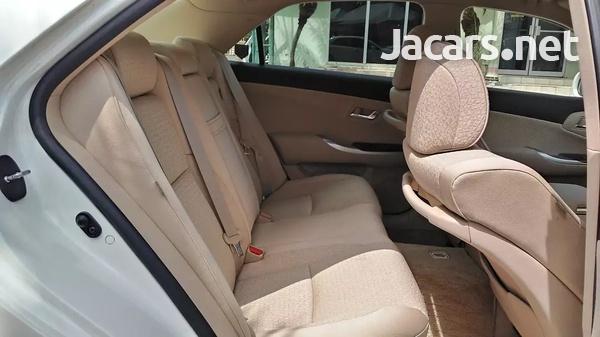 Toyota Crown 2,5L 2012-7