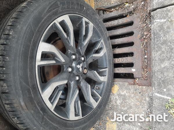2016 mitsubishi outlander hybrid 2.0 petrol automstic transmission gearbox-2