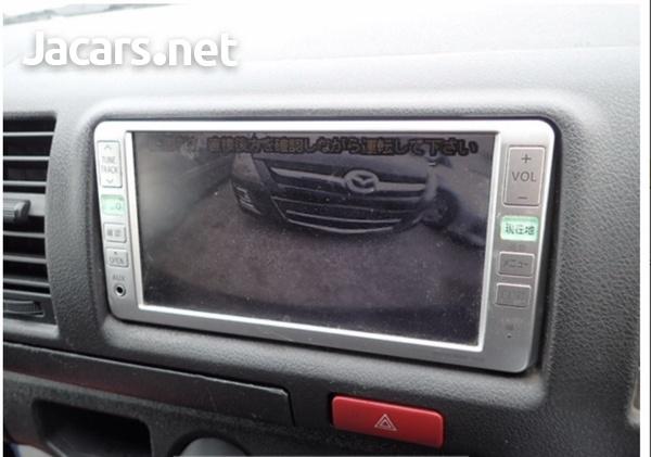 Toyota Hiace Van 3.0 2017-14