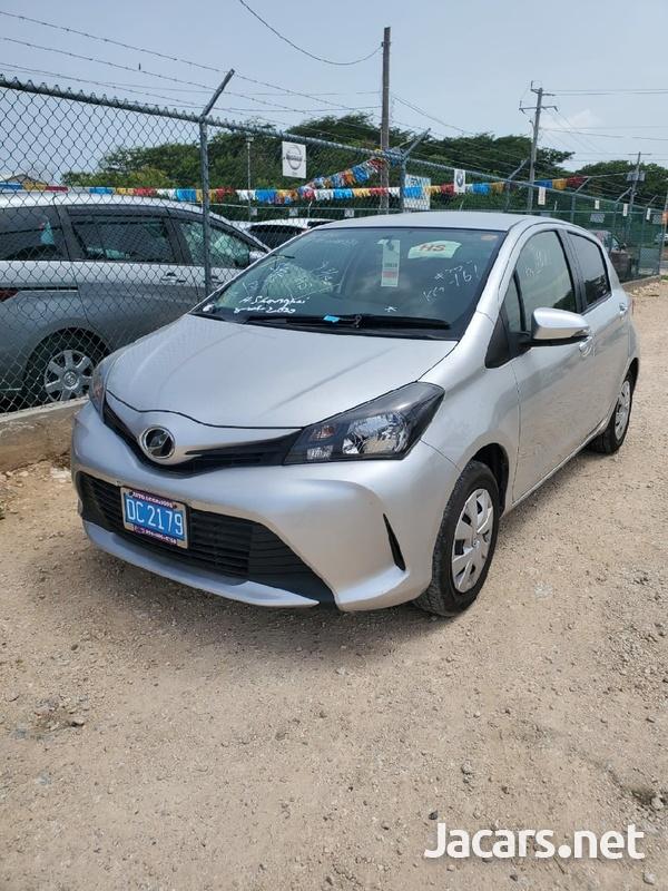 Toyota Vitz 1,0L 2015-1