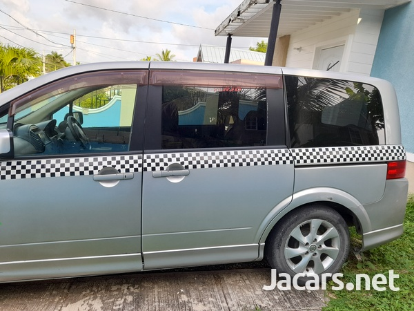 Nissan LaFesta 2,0L 2010-2