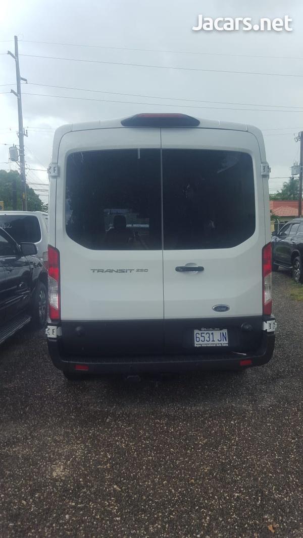 Ford Transit 2,0L 2019-8