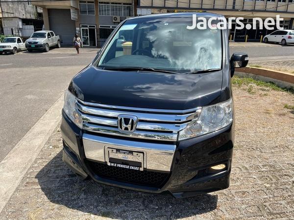 2012 Honda step wagon spada-2