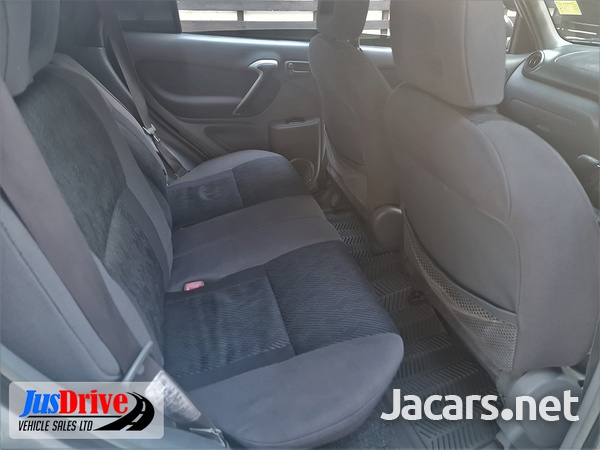 Toyota RAV4 2,0L 2002-7