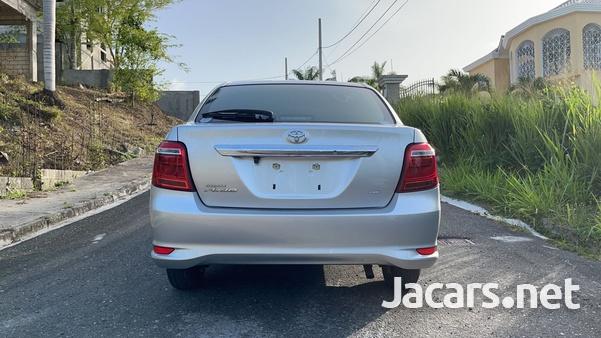 Toyota Axio 1,5L 2016-15