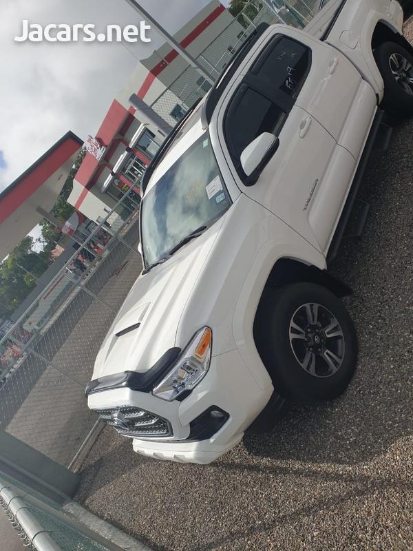 Toyota Tacoma 6,0L 2017-3