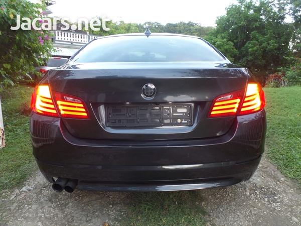 BMW 5-Series 2,5L 2013-5
