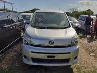 Toyota Voxy 2,2L 2010