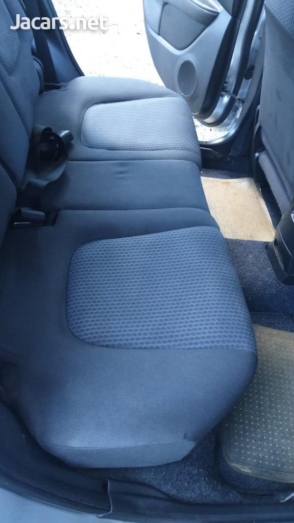 Nissan Wingroad 1,5L 2011-10